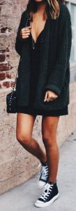 fall-fashion-oversized-knit-black-dress
